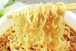 Bình Dương: Ngộ độc tập thể phải cấp cứu sau khi ăn mỳ tôm