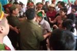 Video: Hỗn loạn tại buổi xin lỗi 'tử tù' Hàn Đức Long