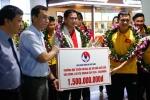 Tuyển Futsal Việt Nam nhận thưởng nóng 1,5 tỷ ngay tại sân bay