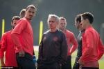 Mourinho: MU phải cố mà đá Europa League