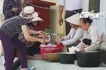 Video: Người dân Đồng Tâm chuẩn bị cơm nước phục vụ cán bộ, chiến sỹ bị giam giữ