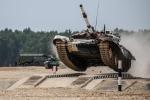 Những pha trình diễn khó tin trong giải đua xe tăng độc đáo ở Nga