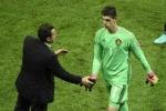 Thibaut Courtois chỉ trích HLV Bỉ ngay trong phòng thay đồ