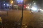 mưa ngập đường ở hà nội