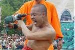 'Người sắt' Thiếu Lâm tự thách Từ Hiểu Đông khoan đầu