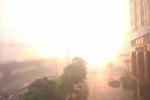 Hà Nội: Sét đánh cột điện cao thế như bom nổ ở đường Phạm Hùng