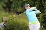 Nét nữ tính của phái đẹp trong môn Golf