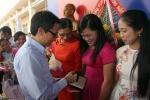 Phó Thủ tướng Vũ Đức Đam thăm 2 trường vùng xa, chúc mừng ngày Nhà giáo Việt Nam