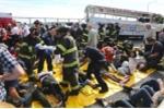Xe bus chở sinh viên Việt gặp tai nạn ở Mỹ