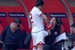 Video: Thời tiết nóng bức khiến sao Bundesliga làm mát vùng nhạy cảm