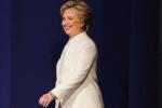 Thông điệp của bộ đồ trắng Hillary Clinton mặc khi đối đầu Donald Trump lần 3