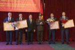 Việt Nam trao Huân chương cho các trường Bộ Nội vụ Nga