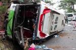 Video: Hai ôtô khách đâm nhau ở đèo Prenn, 7 người chết