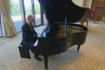 Video: Tổng thống Putin trổ tài chơi piano điệu nghệ tại tư dinh của ông Tập Cận Bình