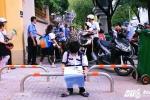 Barie trên vỉa hè ở Sài Gòn bị 'vô hiệu hóa': Đề nghị xem xét lại việc lắp đặt