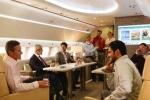 Hơn cả khách sạn 5 sao, máy bay VIP dát vàng hút giới nhà giàu