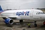 Hoãn bay 30 phút vì hành khách khỏa thân áp sát nữ tiếp viên