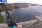 Há hốc mồm xem cần thủ bắn cung câu cá siêu đẳng