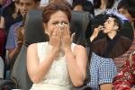 Khả Như 'xanh mặt' khi Mai Quốc Việt nuốt lưỡi lam trên sân khấu