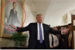 Clip: Tổng thống Donald Trump khiến du khách thăm Nhà Trắng kinh ngạc tột độ