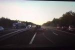 Xe tự lái Tesla né được tai nạn thảm khốc nhờ 'dự cảm' chuẩn xác khó tin