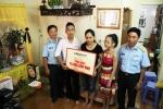 Thăm và tặng quà cho các gia đình phi công tổ bay vụ tai nạn máy bay Su30-MK2 và CASA-212