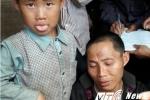 Điện Biên: Người đàn ông tật nguyền khóc ngất mang thi thể vợ con chôn trong rừng do ngộ độc lá ngón