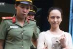 Mẹ hoa hậu Phương Nga: 'Con tôi bị dọa giết trong quán karaoke'