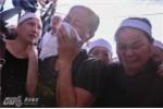 Người thân, đồng đội đón phi công Trần Quang Khải trở về quê nhà