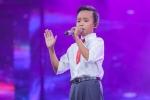 Hồ Văn Cường học hát cùng Đinh Tiến Đạt chuẩn bị cho lễ khai giảng