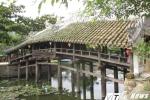 Chiêm ngưỡng cầu ngói 240 tuổi cực quý hiếm ở Huế trước cuộc 'đại phẫu'