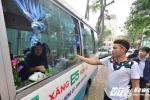 Xuất hiện hàng phở bò độc đáo trên xe ô tô ở Hà Nội