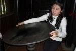 Giải mã sự thật về những chiếc bàn cổ trăm tuổi tự quay kỳ bí