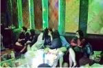 Đột kích quán karaoke, bắt 19 đối tượng tổ chức sinh nhật bằng ma túy