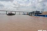Hàng chục tàu lập bến thủy trái phép, chiếm hành lang bảo vệ cầu Cần Thơ