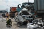 5 xe tông nhau trên cầu, một tài xế chết thảm trong cabin