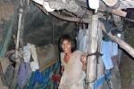 Chuyện người giận vợ bỏ nhà đào hang sống như người tiền sử ở Quảng Ngãi