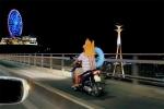Video: Thót tim bố chở con bằng xe máy 'làm xiếc' trên cầu Bãi Cháy