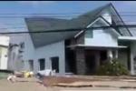 Video: Cảnh 'thần sông' nuốt gọn căn nhà ở miền Tây