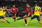 Olivier Giroud tỏa sáng, Arsenal thoát thua ngoạn mục