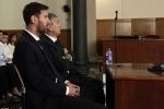 Messi đổ lỗi cho cha tội trốn thuế