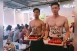 Dàn nhân viên nam 6 múi cắt tóc và phục vụ bàn: Hà Nội vào cuộc kiểm tra