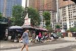 Hỗn chiến kinh hoàng trong đêm ở Hà Nội, 2 công nhân bị chém gục trên vỉa hè