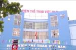 Bác sỹ bị hành hung, bắt quỳ trước cổng viện: Bảo vệ phớt lờ