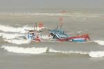 Hai tàu cá Quảng Ngãi chìm trên đường về bờ tránh bão