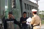 Hàng loạt xe 'hổ vồ' bị xử phạt, tài xế gọi điện 'cầu cứu'