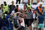 Nghị sĩ Nga gây sốc khi động viên hooligan Nga gây rối Euro 2016