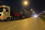 Cấm đường để cẩu đầu máy, toa xe đường sắt trên cao