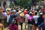Người phụ nữ nghi bắt cóc trẻ em ở Hà Tĩnh bị dân bao vây