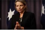 Bị tố lấy tiền công dùng việc tư, bộ trưởng Australia từ chức